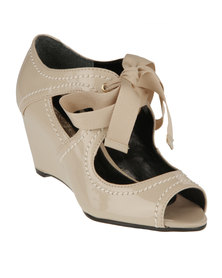 Buffalo Cut-Out Ribbon Wedges Honey