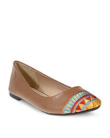 CM PARIS Aztec Pumps Brown