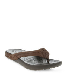 Crocs Yukon Flip Slip-Ons Brown
