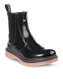Footwork Chelsea Ankle Boots Black