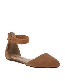 Gino Paoli Ankle Strap Flat Pump Camel
