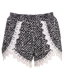 Hastag Selfie Sporty Shorts Black/White