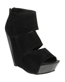 Messeca Coraline Platform Wedges Black