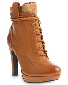 Miss Black Hannah Boots Tan