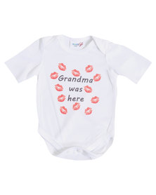 "Moederliefde ""Grandma was here"" Short Sleeve Baby Bodyvest"