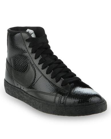 all black nike blazer