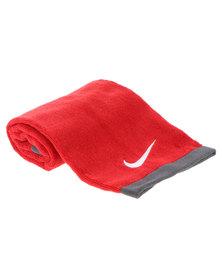 Nike Performance Fundamental Towel Red