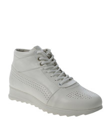 Paul of London Pin Punched Boot White