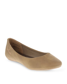 Pierre Cardin Basic Pumps Tan