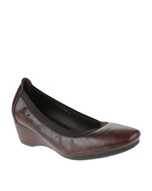 Pierre Cardin Wedge Courts Brown