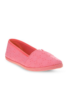 Soviet Astrid Slip-On Shoes Coral