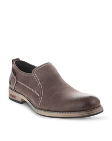 Urbanart Pillar 9 Slip-On Shoes Brown