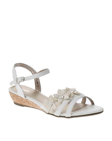 2bcd034d36f247 Bata Floral Wedge Sandals White