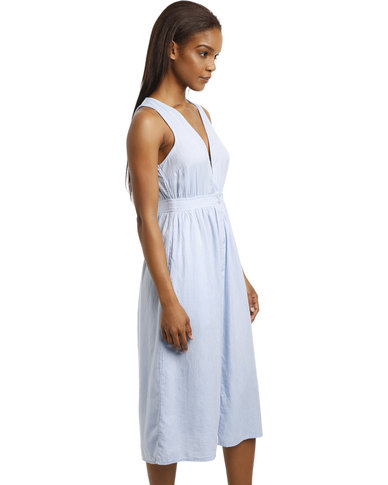e89f802b8658 New Look Button Front Deep V Neck Midi Dress Pale Blue
