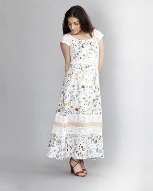 6db56936bd1 HASHTAG SELFIE Romantic Floral Flare Dress White