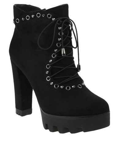 Utopia Chunky Eyelet Lace Up Boot Black