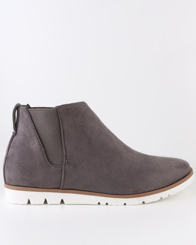 Crouch Suede Chelsea Ankle Boot Grey