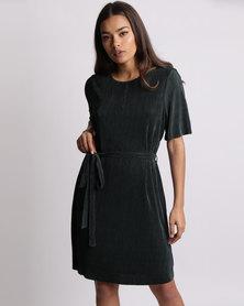 New Look Pleated Kimono Dress Dark Green