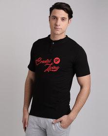 Peg Henley T-Shirt Black