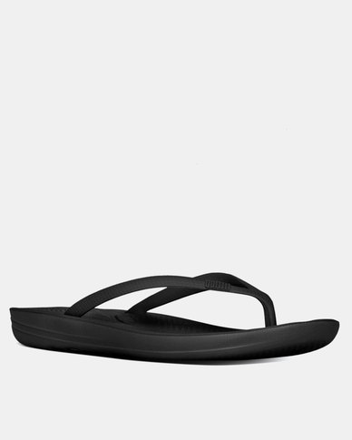 b908bc59a49b FitFlop iQushion Flip Flops All Black