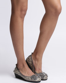 Julz Juliet Jewel Detail Wedge Grey Patent