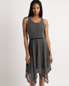 Queenspark Crochet Hanky Hem With Belt Detail Knit Dress Black & White