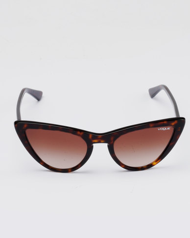 738524b239 Vogue Brown Frame Cateye Sunglasses With Gradient Lens Brown