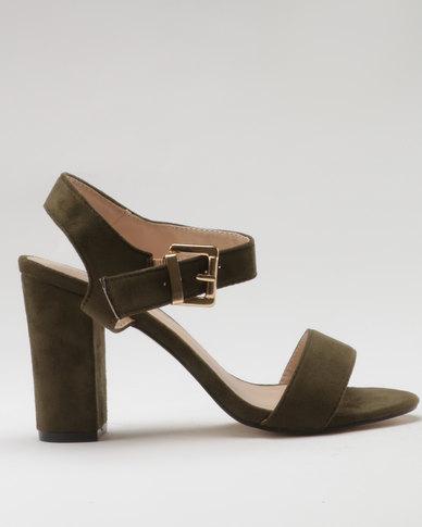 a14c536fea13 Shoes Under R500