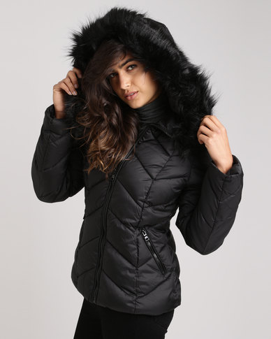 80780399a62d New Look Faux Fur Trim Hooded Chevron Puffer Jacket Black