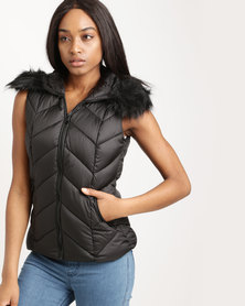 New Look Faux Fur Trim Quilted Gilet Black