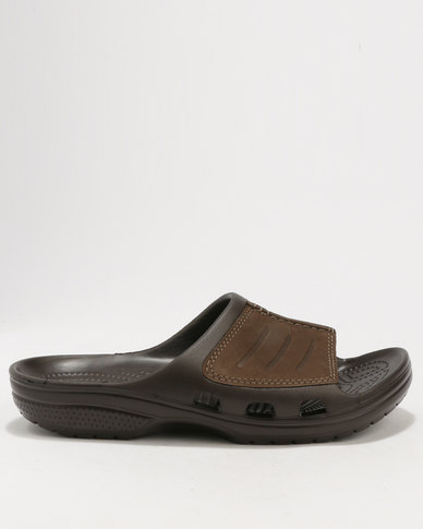 5fc484e82e3f Crocs Men s Yukon Mesa Slide Sandals Brown