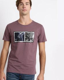 Josalem Photographic Print Slim Fit Tee Purple