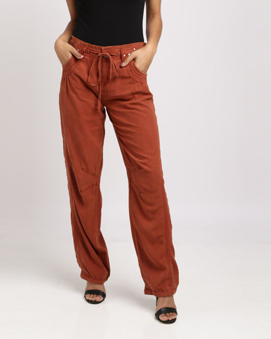 Vero Moda Relaxed Viscose Pants Red