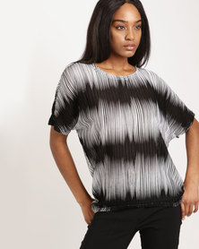 Queenspark Blurred Print Knit Top Black & White