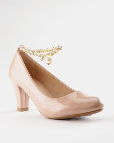 ea5721df429 Queenspark Patent Court Shoes with FOB Chain Pink