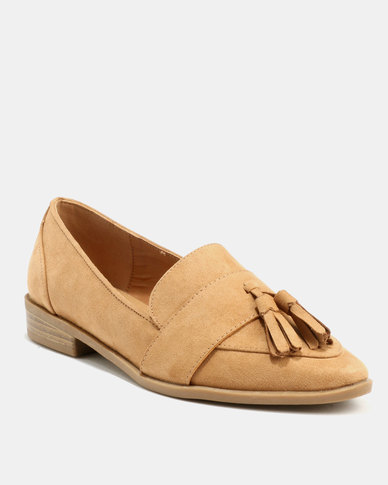 Madison Colton Tassel Loafer Camel