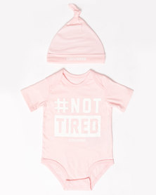 #Nottired Creeper & Hat Set Pink