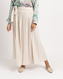 Shop.Style.Snap Pleated Skirt Cream