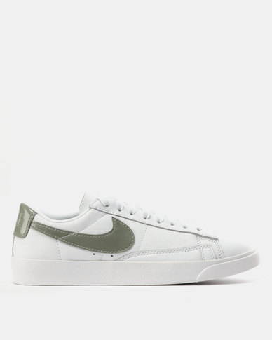 7a64940a853ccb Nike W Blazer Low LE Sneakers White/Dark Stucco | Zando