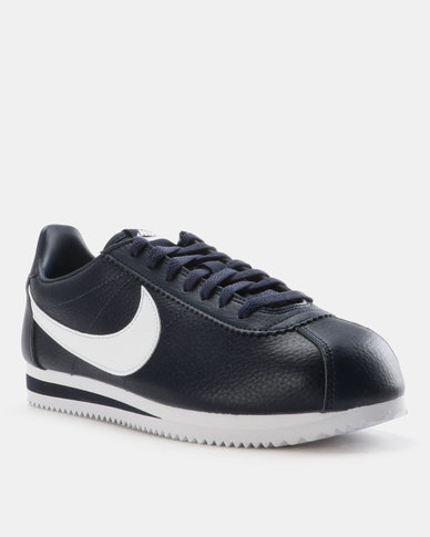 low priced 8f4b4 946ed Nike Classic Cortez Leather Sneakers Midnight Navy/White