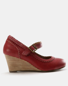 SOA Nikita Wedges Red
