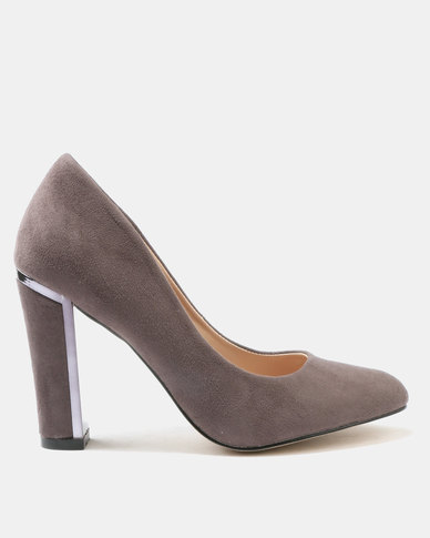 Wild Alice by Queue Wild Alice by Queue Suede Court Heels With Metallic Tip Detail Grey outlet 2014 unisex cheap sale deals excellent top quality for sale outlet iD8ed
