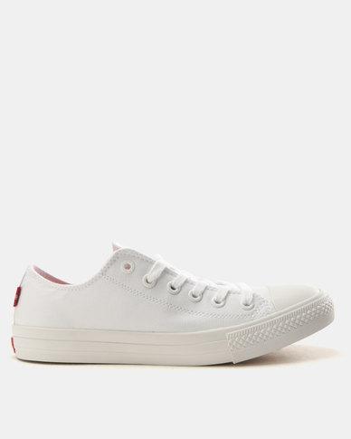 Levi's®  Pitch Lo Canvas Sneakers Mono White
