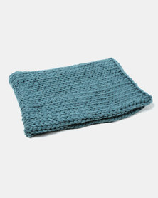 Tassels and Treasures Super Chunky Knit Throw Blue
