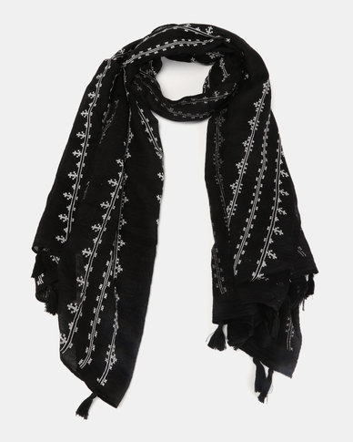 Miss Maxi Tasseled Scarf Black