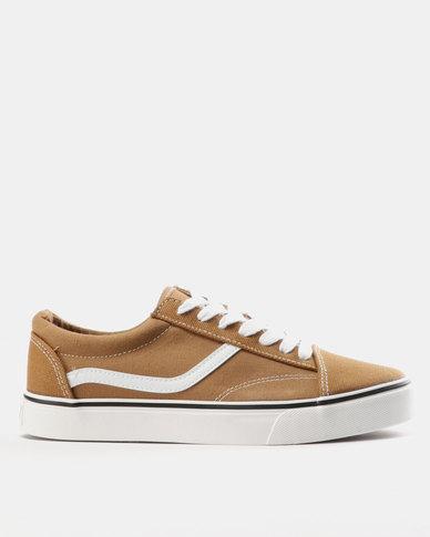 Soviet Mafadi Low Cut Canvas Tow tone Sneakers Sand