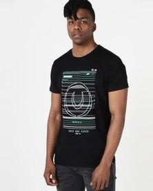 Duck & Cover Gamma Raised Print T-shirt Black