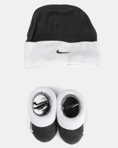 43f07c94b Nike Baby Beanie   Bootie Gift Set Game Obsidian