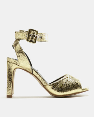 9d607ffd8478e Legit Crushed Metallic Flat Block Heel Sandals Gold