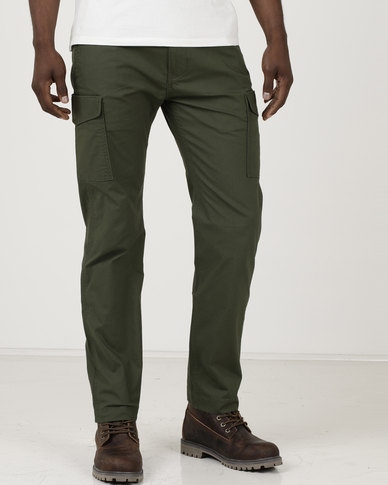 7af5efc0 Levi's ® 502 Regular Taper Fit Cargo Pants Green | Zando